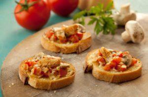 Bruschettas de Sardinha, Tomate e Cogumelo